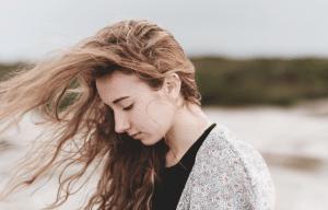 Girl with long hair used Eldorado's hair loss system